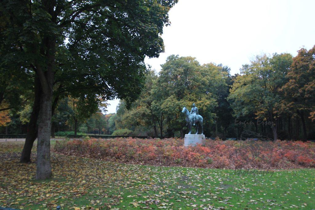 Şehrin Merkezindeki Groner Tiergarten