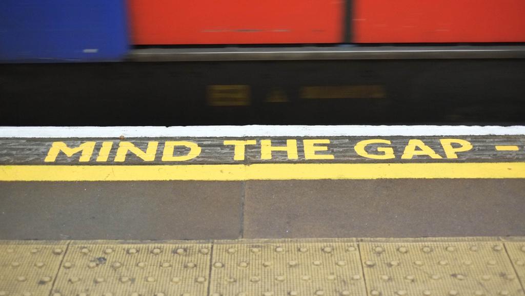 Londra ile özdeşleşen Mind the Gap yazıları