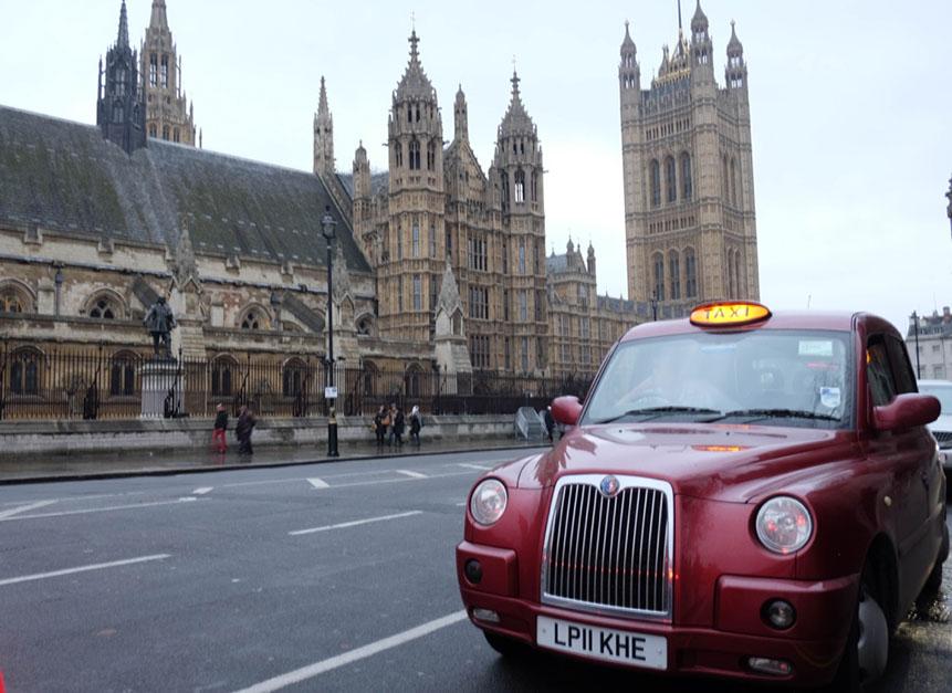 Westminster Abbey Londra'nın en önemli dini yapısı