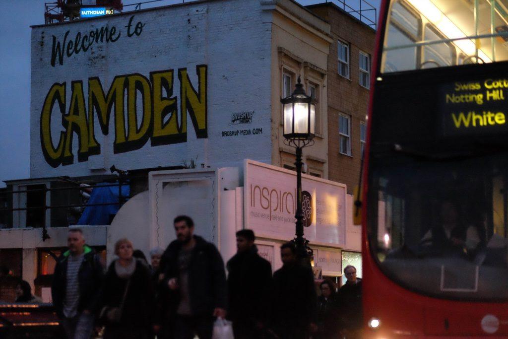 Camden Town Londra'nın farklı yapıdaki bir bölgesi