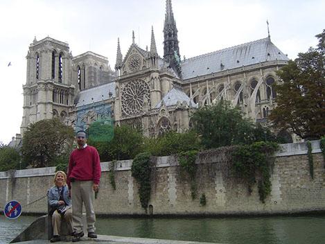 Notre Dame Paris'in en önemli dini yapısı