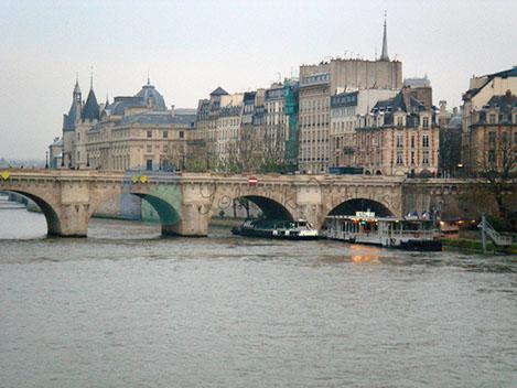 Kçprüle Paris'in önemli yapıları