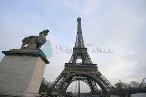 Eifflel Kulesi Paris'in simgesi