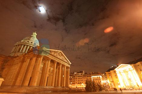 Pantheon Paris'in önemli dini yapılarından.