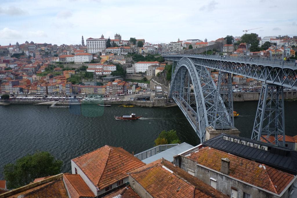 Ponte de Luizi porto şehrinin diğer bir simgesi