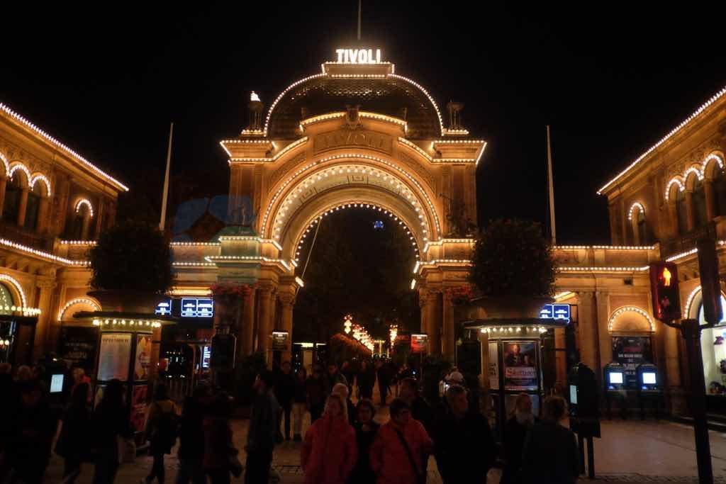 Tivoli Kopenhag merkezindeki lunapark