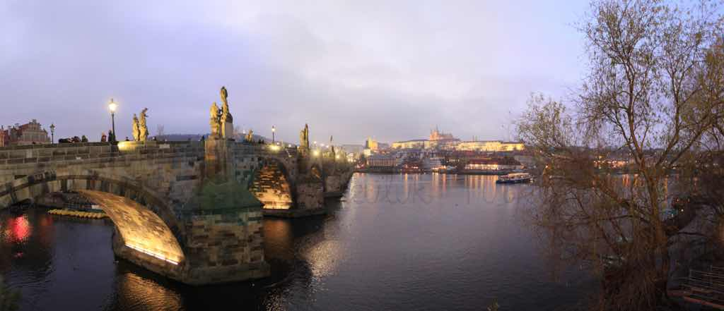 Charles Köprüsü Prag'ın en önemli yapısı
