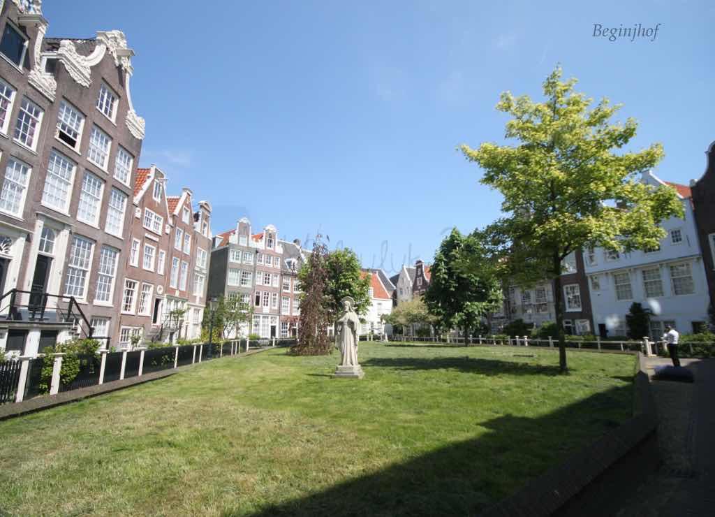 Beginjhof Amsterdam'da kaçırılmaması gereken bir nokta.