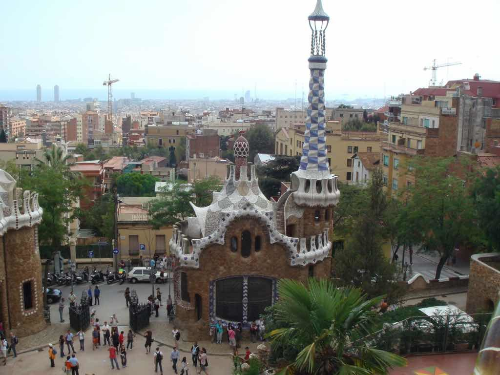 Parc Guell Barselona simgelerinden birisi