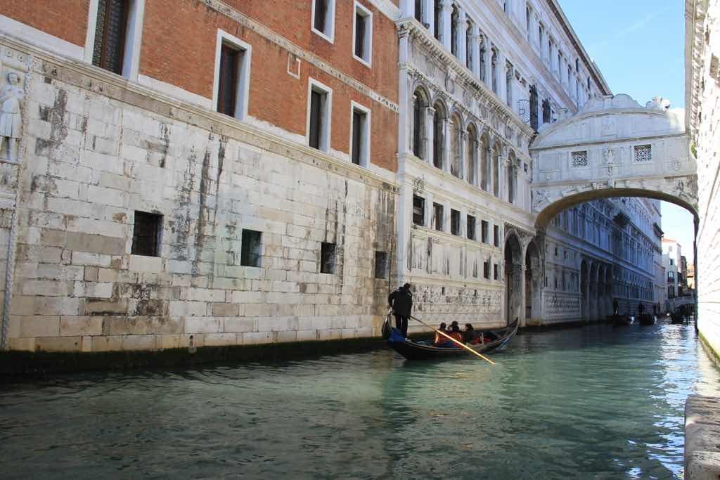 Ahlar Köprüsü venedik de en çok fotoğrafı çekilen yapı belki de.