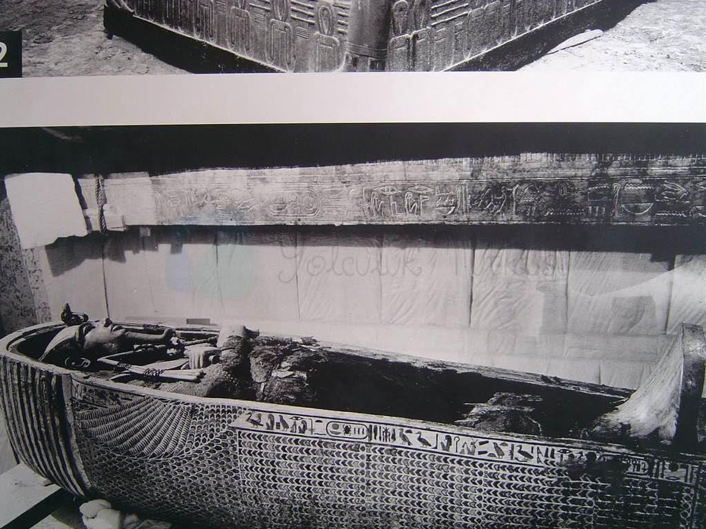 Kral Tut'un Mezar girişindeki fotoğraflardan çektiğimiz fotoğraflar.
