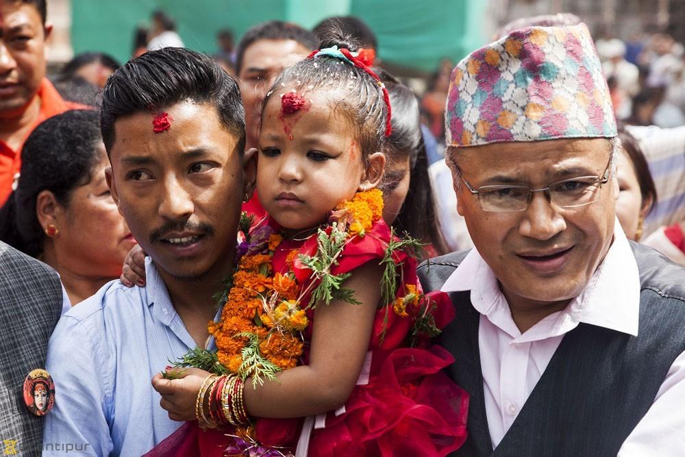 2017'de 3 yaşındayken Kumari seçilen Trishna Shakya. Fotoğraf: Kathmandu Post