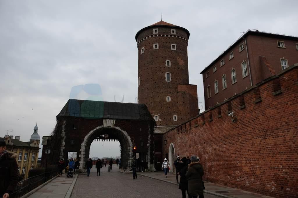 Wawel Kalesi Krakow gezilecek yerlerin başında geliyor