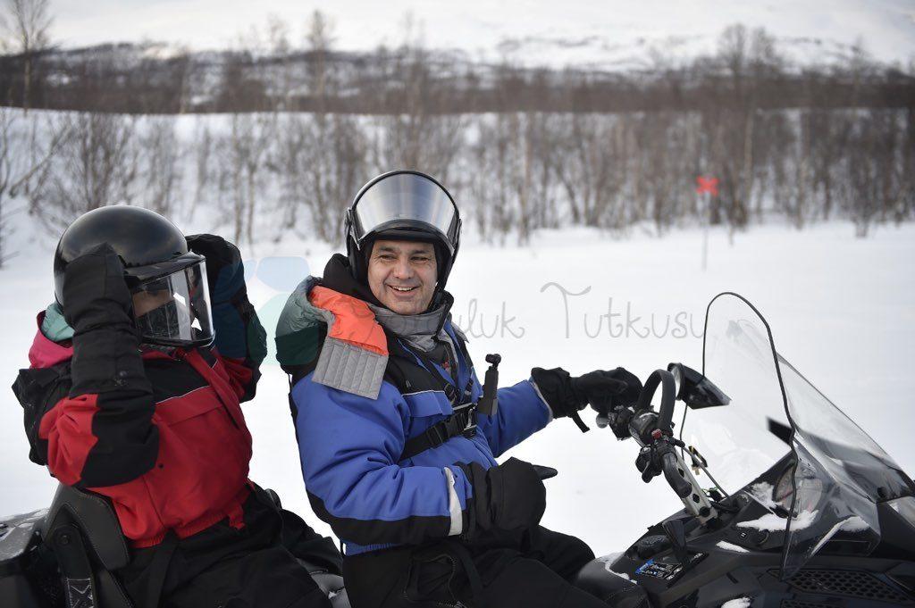 Snowmobile en önemli Lapland aktivitelerinden