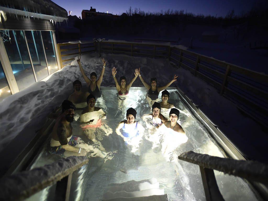 Hot Tube lapland aktivitelerinden birisi