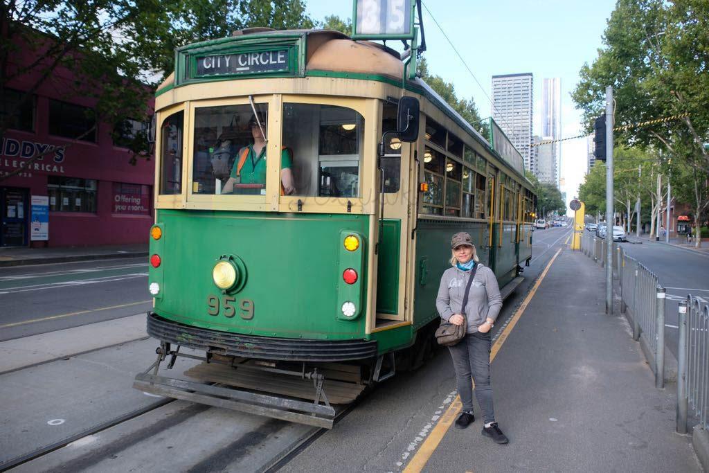 Circle Tram 35 numarası ile şehirin simgelerinden